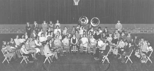 1976-1977 Sixth Grade ...
